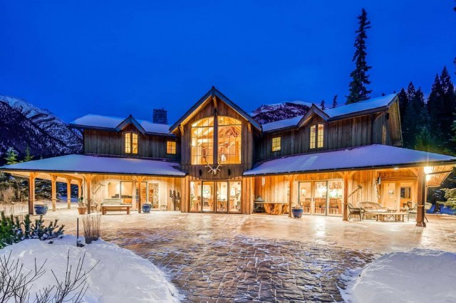 Rocky mountain house - Canmore