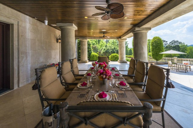 Luxurious modern home in Atlanta