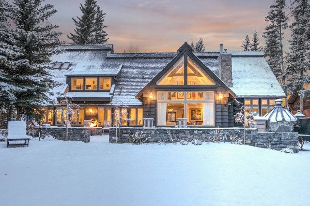 Detached house and amazing - Alberta/canada