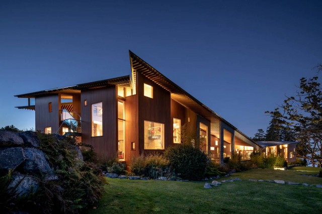 Stylish modern and amazing masterpiece house - Metchosin