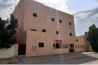 بيت بالوفرة السكنية  ويصلح للاستثمار للبيع