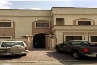 بيت في مدينة جابر الأحمد  والتسليم فوري مراجعة عليه 250 ألف