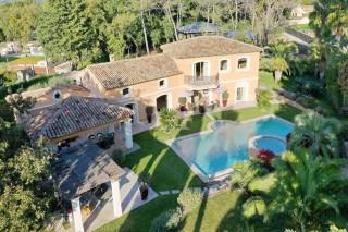 Villa élégante avec un très